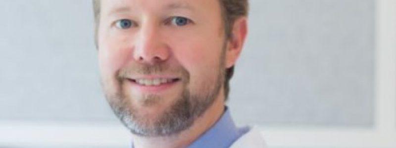 Entrevista com Dr. Rafael Tirapelle: como a cirurgia plástica pode ajudar no rejuvenescimento facial